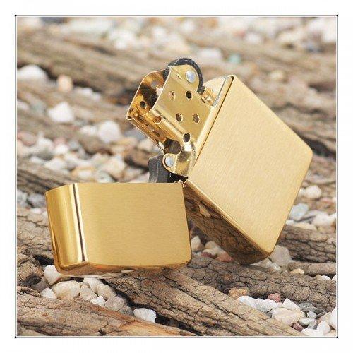 """ZIPPO šķiltavas """"Solid Brass"""" 204 art.204"""